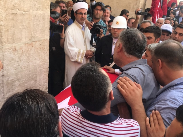 Merhum Akparti Miletvekili Abdurkadir Yükselin Cenazesinden Sondakika Görüntüler